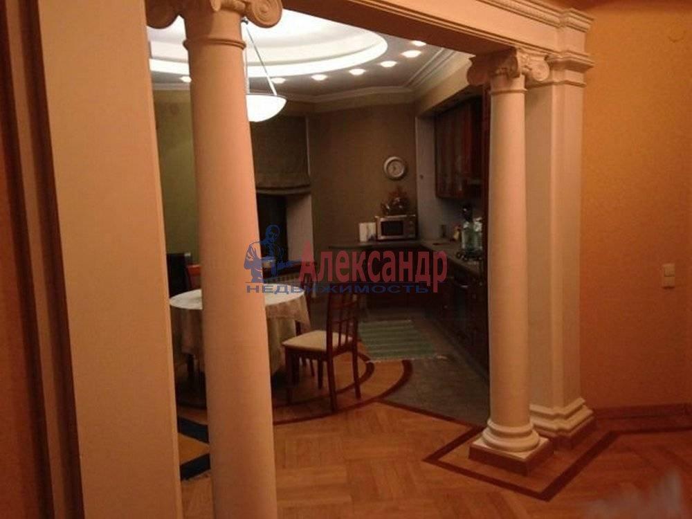 3-комнатная квартира (125м2) в аренду по адресу Радищева ул., 17— фото 9 из 9