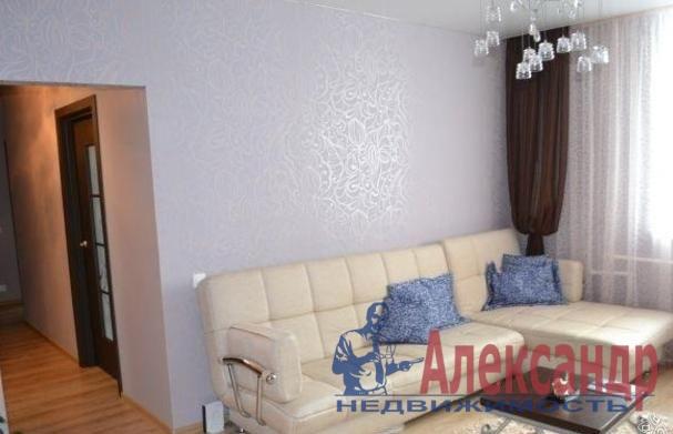 1-комнатная квартира (45м2) в аренду по адресу Новаторов бул., 67— фото 2 из 6
