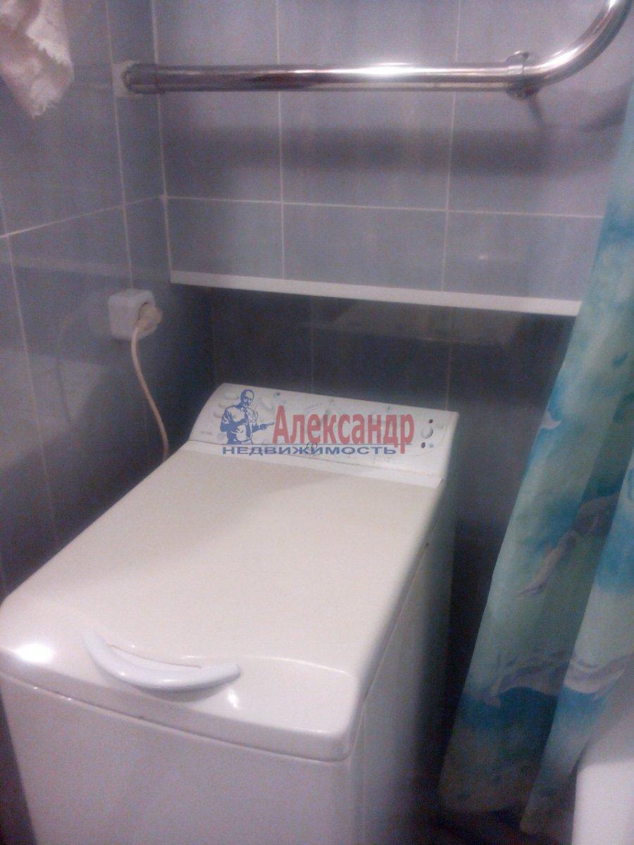 1-комнатная квартира (35м2) в аренду по адресу Космонавтов просп., 32— фото 10 из 11