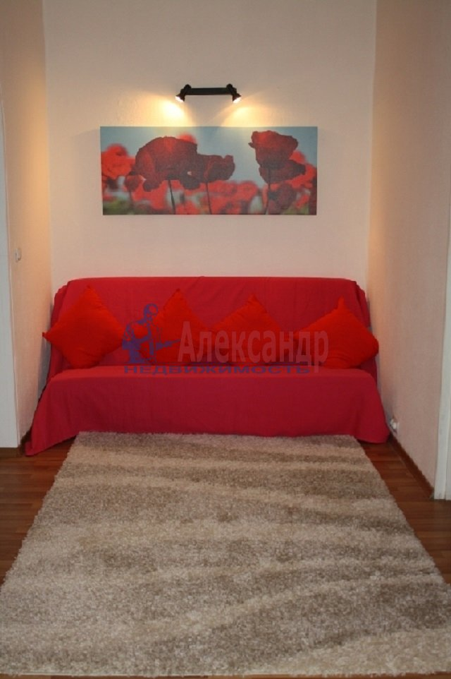 2-комнатная квартира (60м2) в аренду по адресу Коломяжский пр., 15— фото 2 из 5
