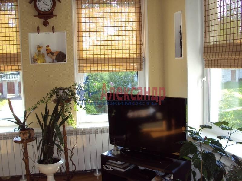 Дом (300м2) в аренду — фото 1 из 9