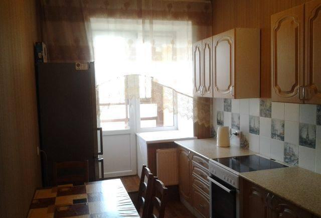 1-комнатная квартира (38м2) в аренду по адресу Есенина ул., 1— фото 3 из 6