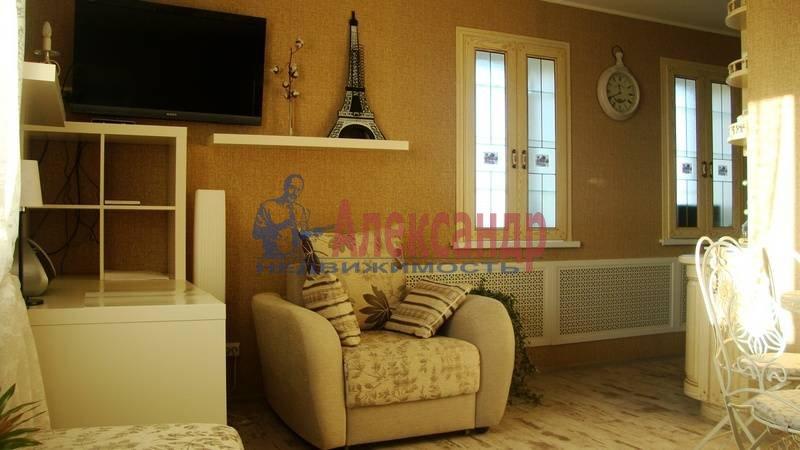 1-комнатная квартира (37м2) в аренду по адресу 3 Верхний пер.— фото 2 из 8