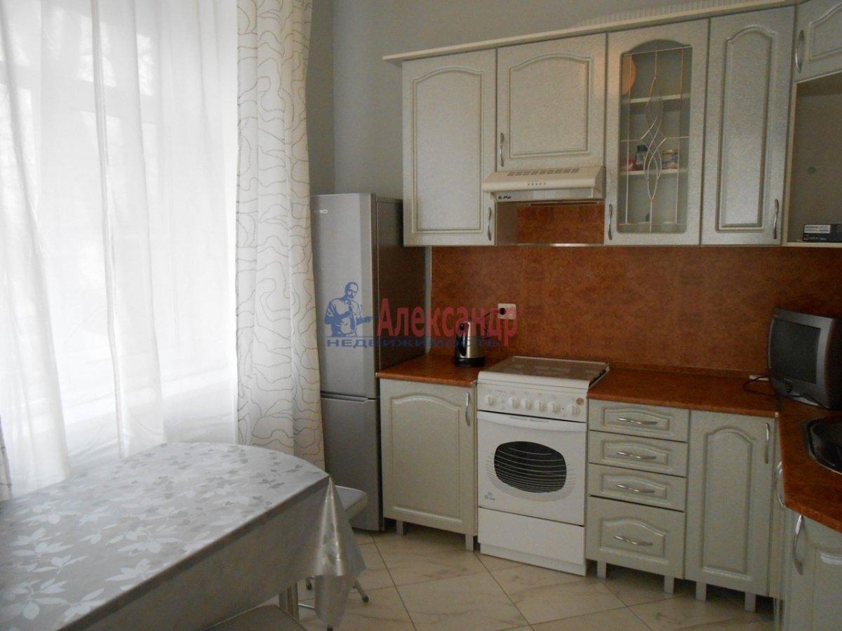 1-комнатная квартира (37м2) в аренду по адресу Московский просп., 194— фото 3 из 3
