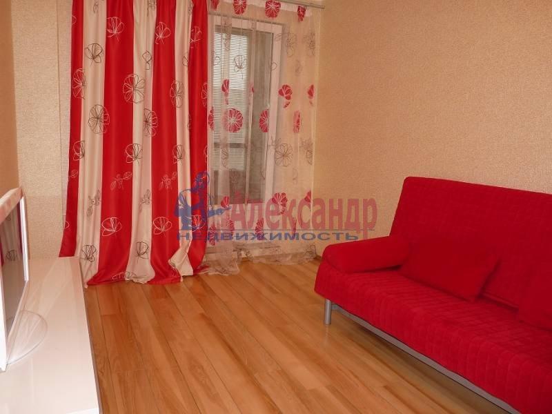 2-комнатная квартира (60м2) в аренду по адресу Коллонтай ул., 15— фото 3 из 6