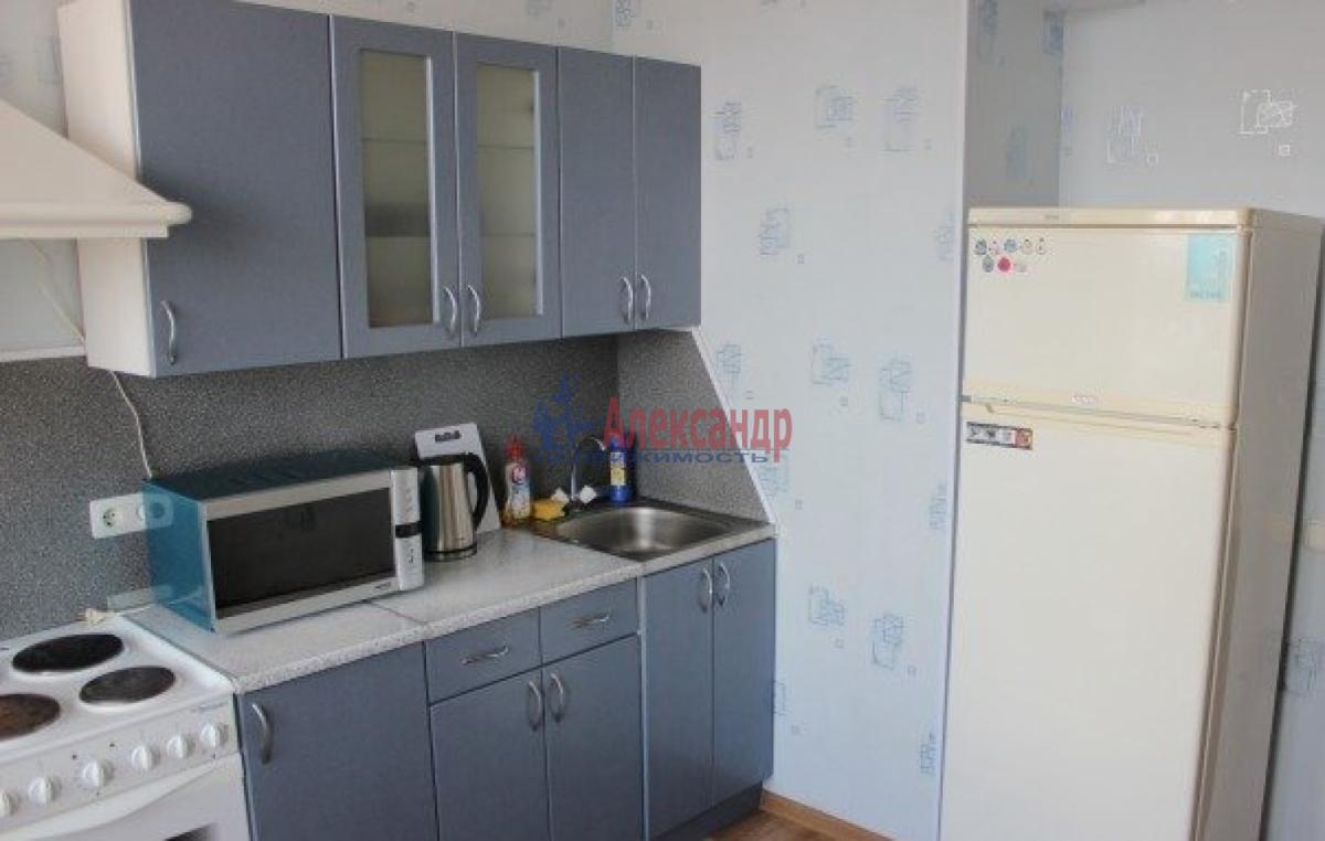 Комната в 2-комнатной квартире (56м2) в аренду по адресу Славы пр., 37— фото 2 из 4