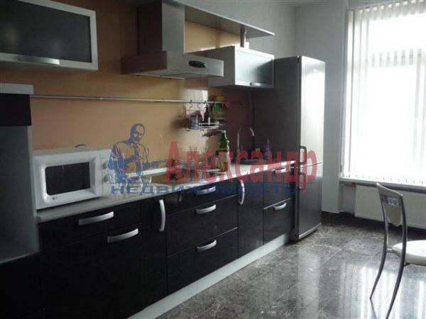 3-комнатная квартира (105м2) в аренду по адресу Петровская наб.— фото 3 из 4