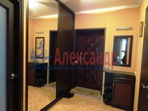2-комнатная квартира (75м2) в аренду по адресу Есенина ул., 1— фото 4 из 7