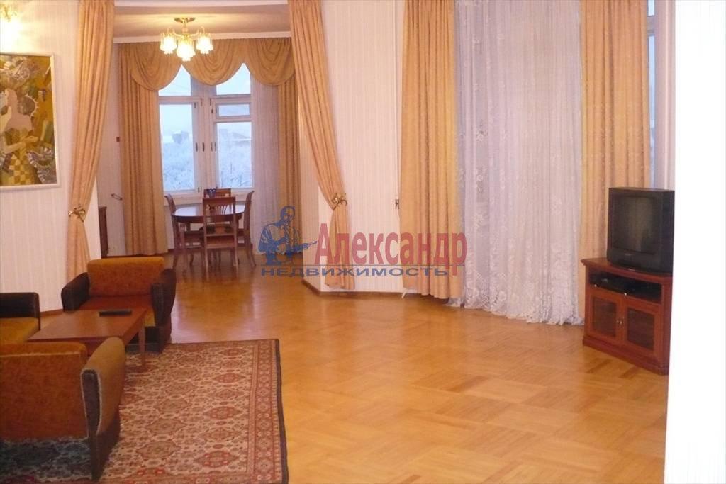 3-комнатная квартира (160м2) в аренду по адресу Реки Карповки наб., 32— фото 2 из 7