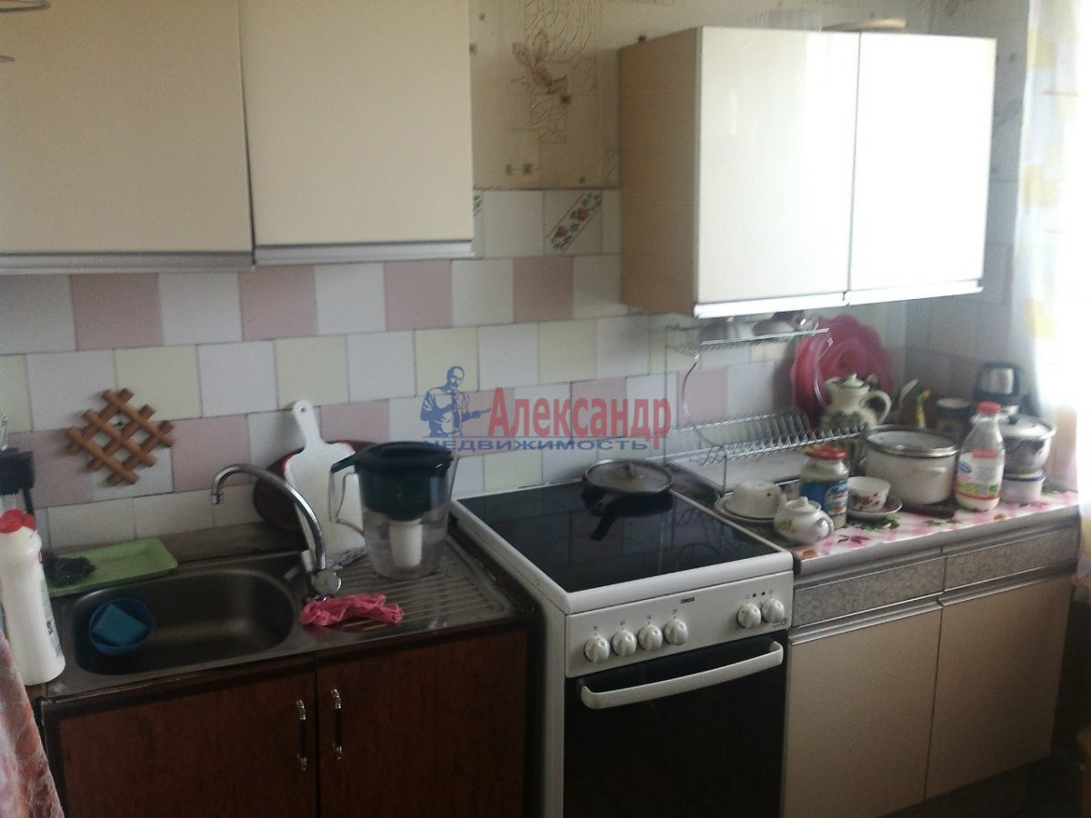 1-комнатная квартира (40м2) в аренду по адресу Маршала Захарова ул., 35— фото 2 из 2