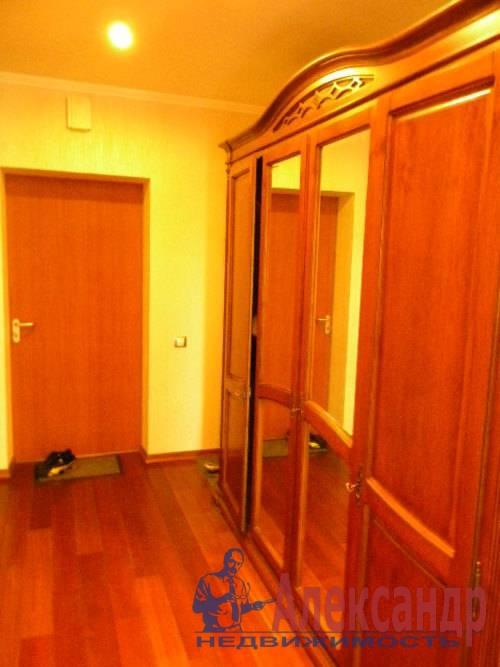 2-комнатная квартира (74м2) в аренду по адресу Декабристов ул., 16— фото 6 из 10