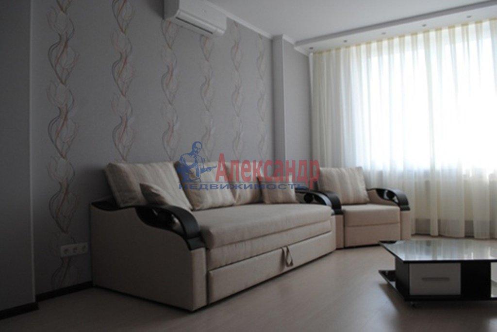 2-комнатная квартира (80м2) в аренду по адресу Обуховской Обороны пр., 110— фото 2 из 10