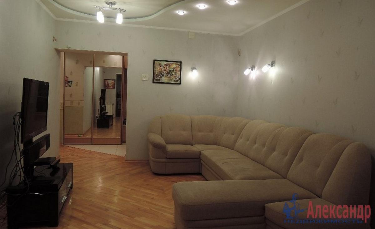 3-комнатная квартира (80м2) в аренду по адресу Васи Алексеева ул., 7— фото 1 из 4