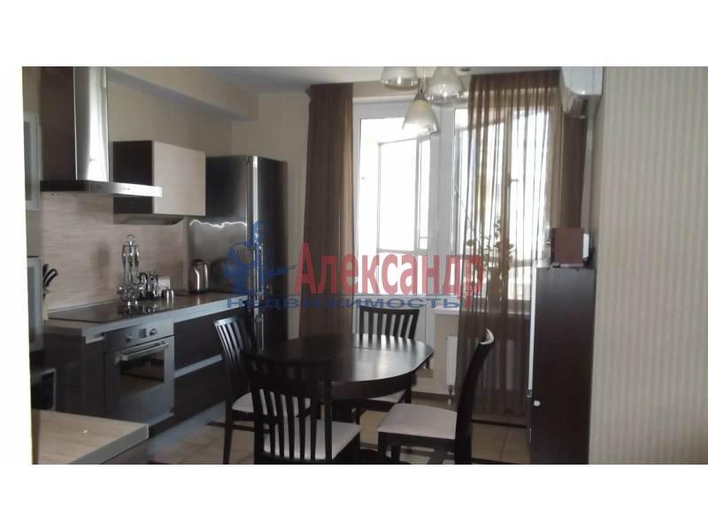 3-комнатная квартира (100м2) в аренду по адресу Коломяжский пр., 15— фото 1 из 14