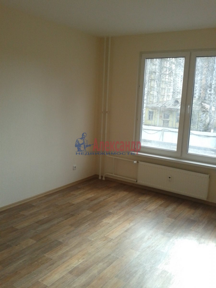 1-комнатная квартира (38м2) в аренду по адресу Кушелевская дор., 3— фото 2 из 5