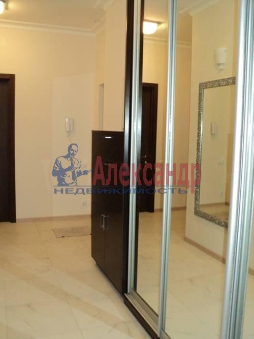 2-комнатная квартира (60м2) в аренду по адресу Типанова ул., 34— фото 1 из 8