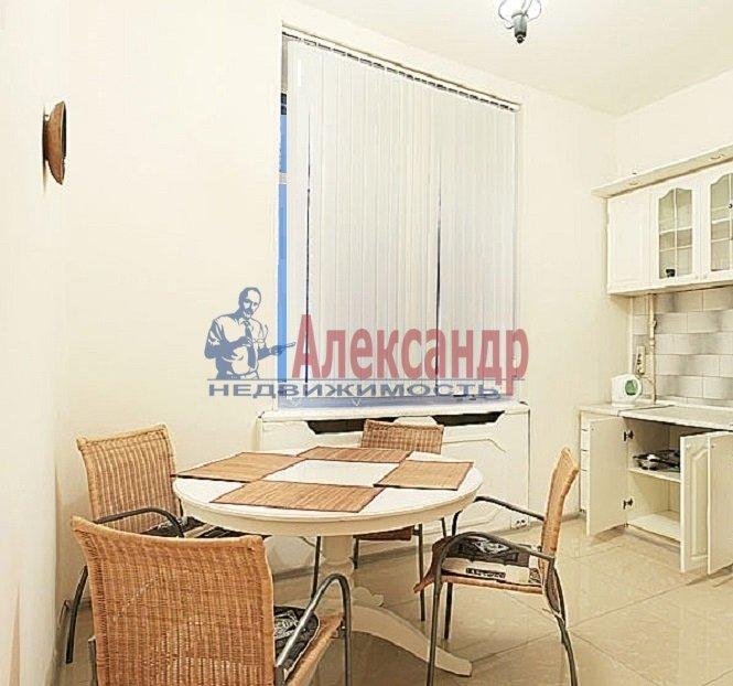 2-комнатная квартира (60м2) в аренду по адресу Коломяжский пр., 15— фото 3 из 5