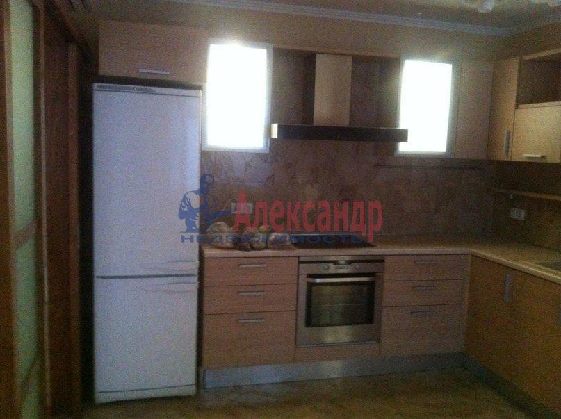 3-комнатная квартира (95м2) в аренду по адресу Стародеревенская ул., 3— фото 5 из 9
