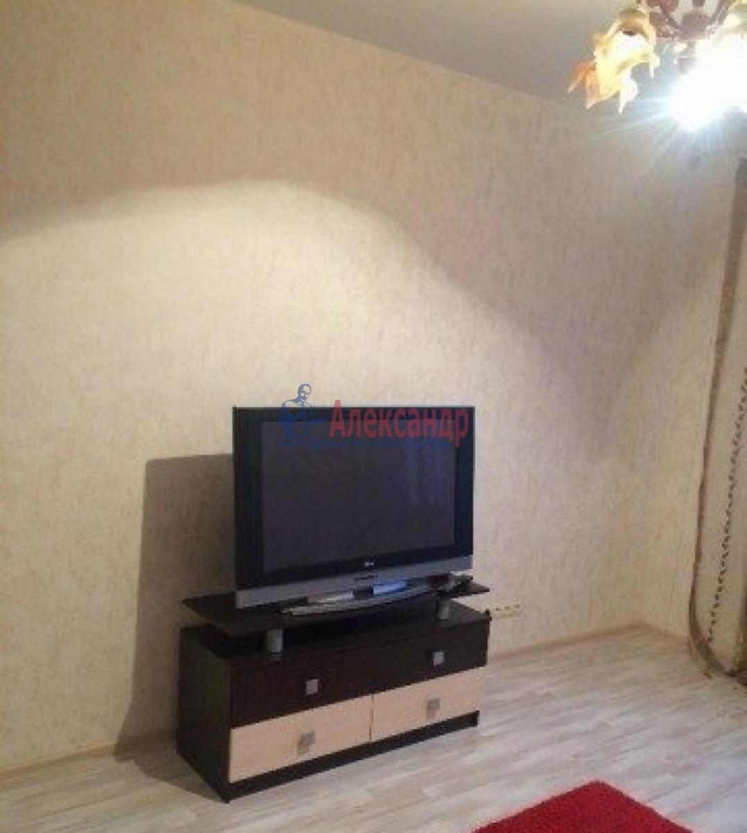 Комната в 3-комнатной квартире (72м2) в аренду по адресу Белы Куна ул., 26— фото 2 из 2