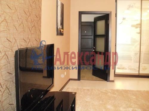 1-комнатная квартира (49м2) в аренду по адресу Коломяжский пр., 15— фото 2 из 6