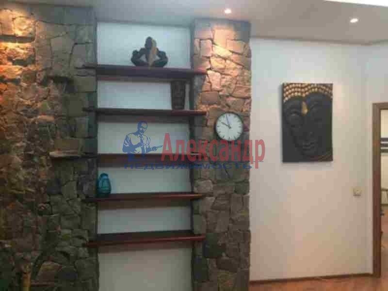 2-комнатная квартира (90м2) в аренду по адресу Петровский пр., 14— фото 2 из 11