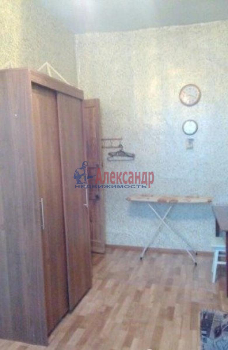 Комната в 3-комнатной квартире (68м2) в аренду по адресу Малый В.О. пр., 35— фото 2 из 3