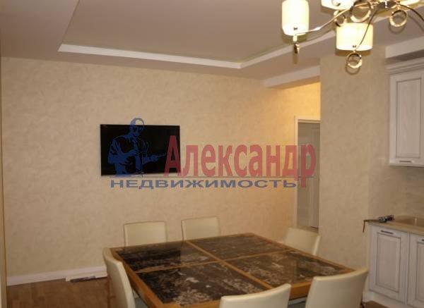 3-комнатная квартира (101м2) в аренду по адресу Невский пр., 156— фото 2 из 3
