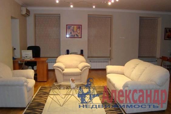 3-комнатная квартира (120м2) в аренду по адресу Восстания ул., 40— фото 1 из 3