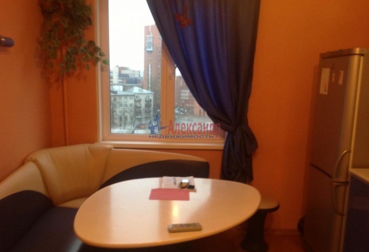 1-комнатная квартира (45м2) в аренду по адресу Юрия Гагарина просп., 48— фото 2 из 5