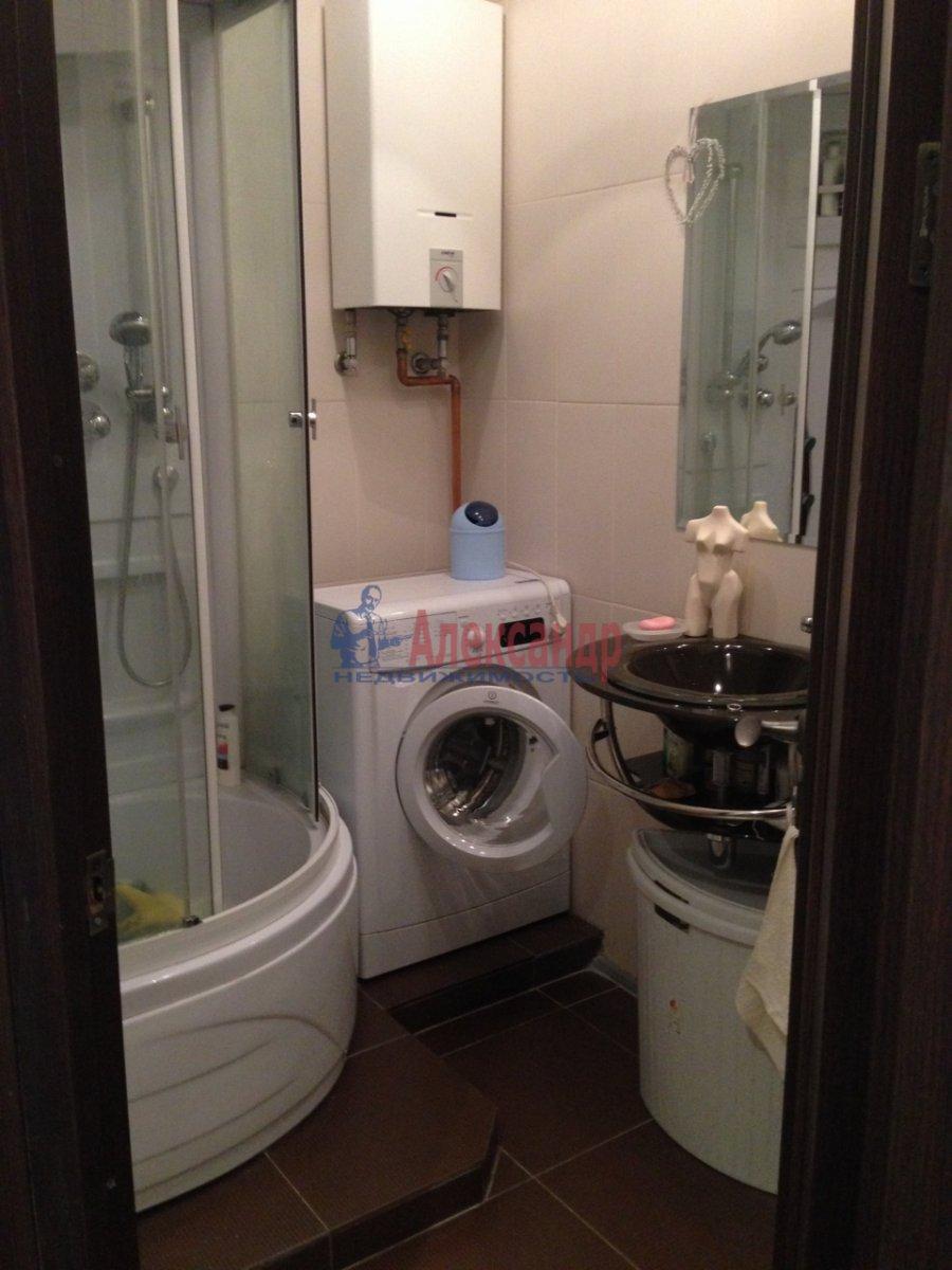 2-комнатная квартира (45м2) в аренду по адресу Орджоникидзе ул., 9— фото 1 из 4