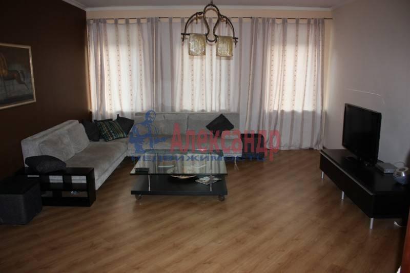 3-комнатная квартира (125м2) в аренду по адресу Реки Фонтанки наб.— фото 2 из 6