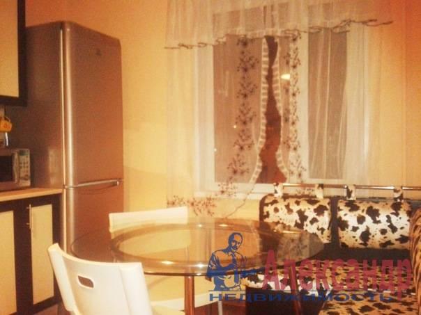 2-комнатная квартира (60м2) в аренду по адресу Хасанская ул., 22— фото 3 из 7