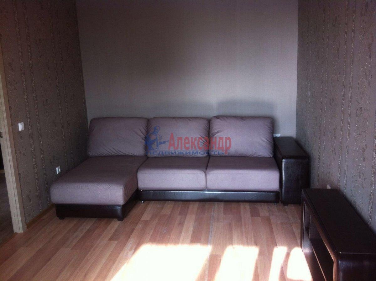 1-комнатная квартира (36м2) в аренду по адресу Обуховской Обороны пр., 195— фото 3 из 6