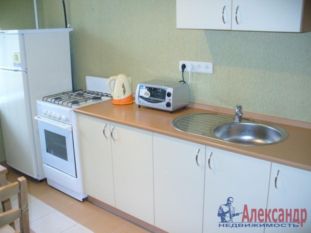 Комната в 3-комнатной квартире (65м2) в аренду по адресу Каменноостровский пр., 56— фото 2 из 2