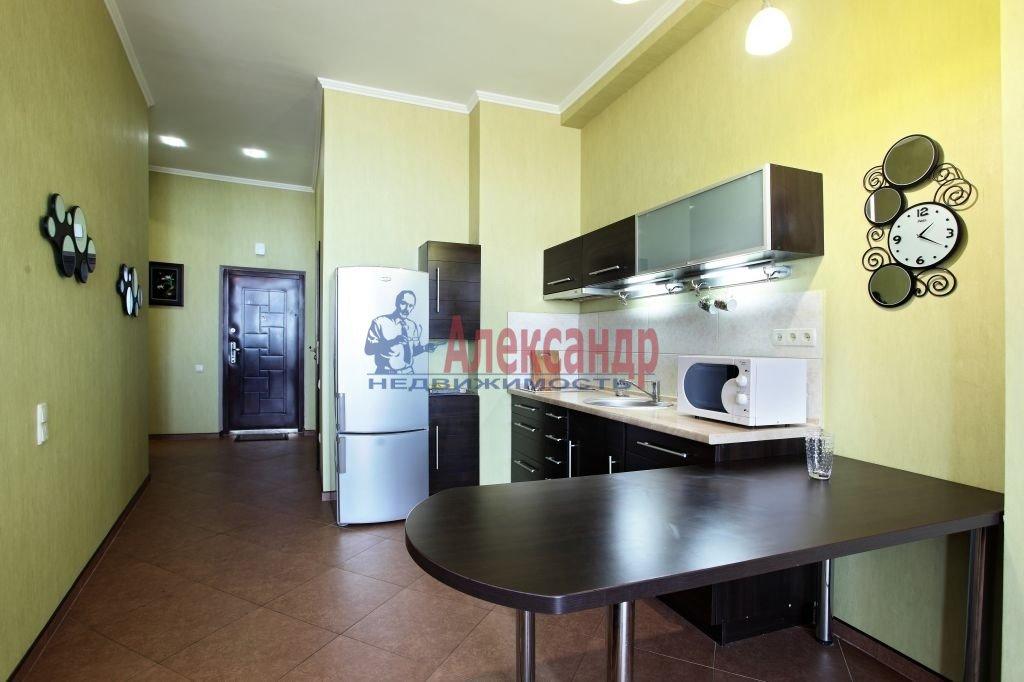 2-комнатная квартира (75м2) в аренду по адресу Киевская ул., 3— фото 2 из 8