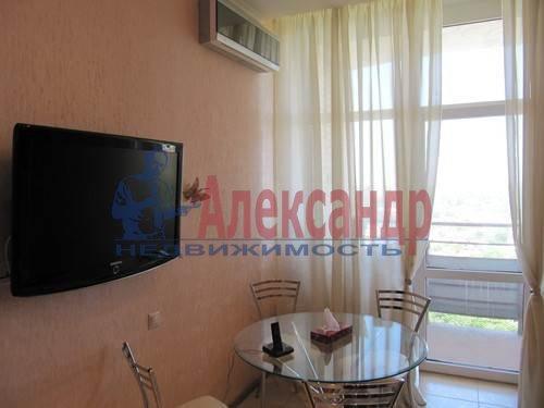 1-комнатная квартира (51м2) в аренду по адресу Большая Посадская ул., 12— фото 2 из 9