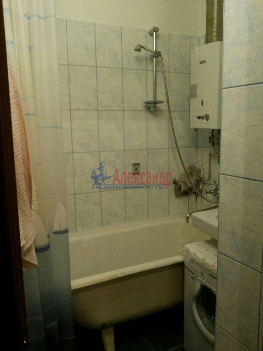1-комнатная квартира (30м2) в аренду по адресу Ленсовета ул., 27— фото 8 из 8