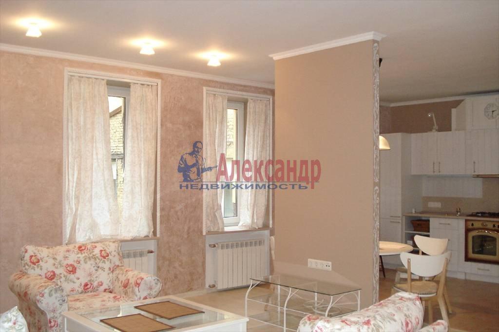 2-комнатная квартира (67м2) в аренду по адресу Коломенская ул., 7— фото 2 из 5