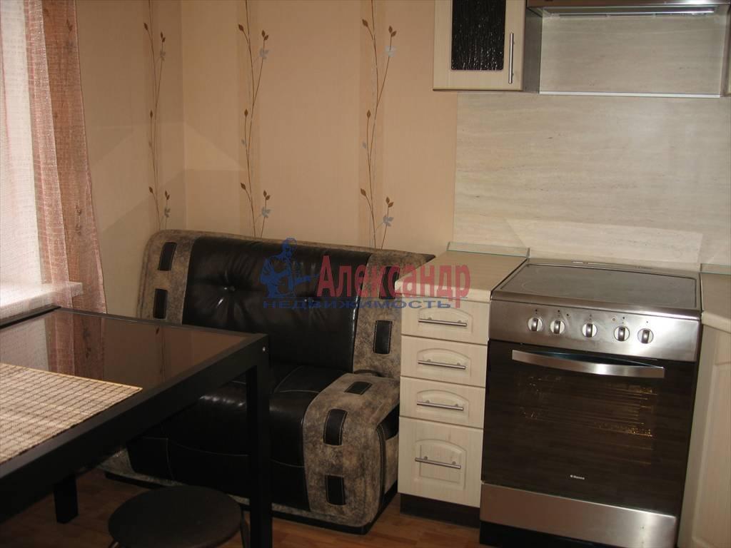 1-комнатная квартира (45м2) в аренду по адресу Кораблестроителей ул., 32— фото 7 из 14