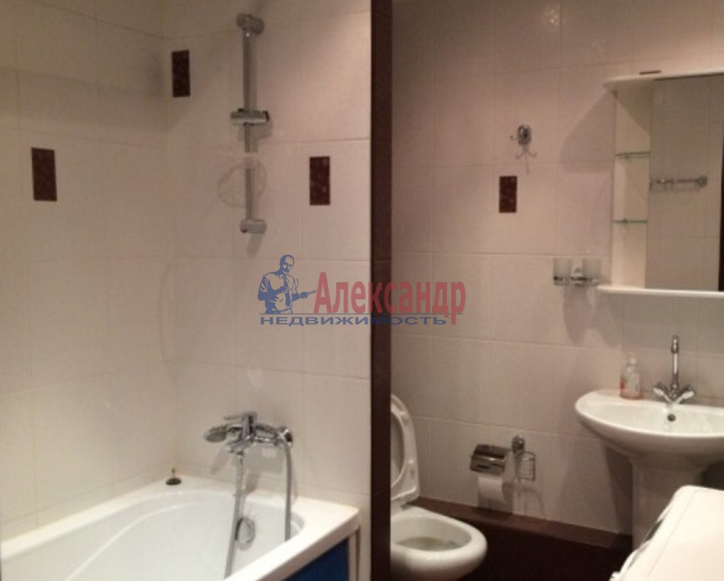 3-комнатная квартира (85м2) в аренду по адресу Рубинштейна ул., 15— фото 3 из 3