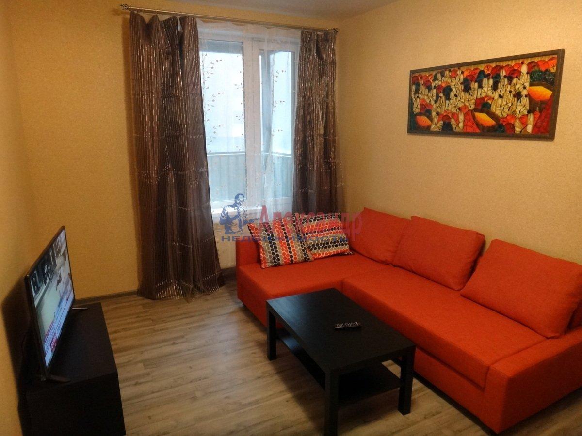 1-комнатная квартира (45м2) в аренду по адресу Белы Куна ул., 1— фото 2 из 13