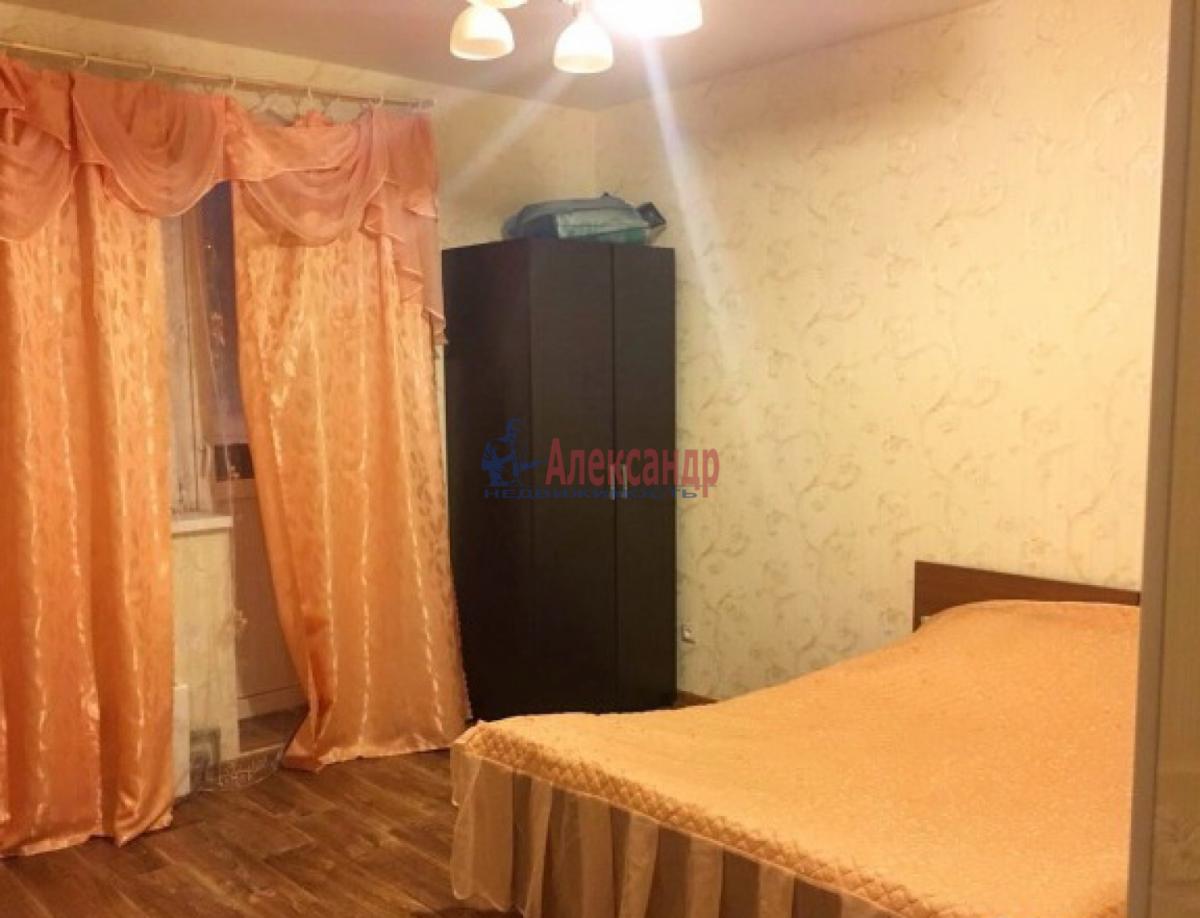 1-комнатная квартира (45м2) в аренду по адресу Одоевского ул., 22— фото 1 из 4