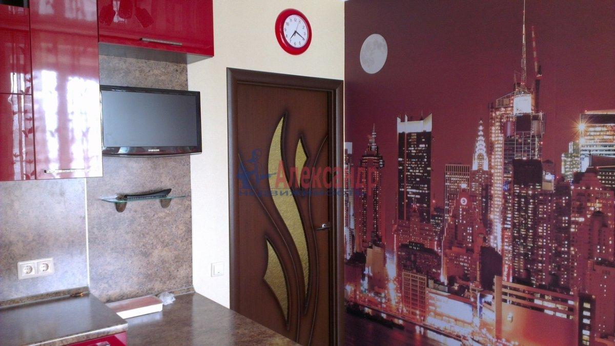 1-комнатная квартира (41м2) в аренду по адресу Полтавская ул., 4— фото 3 из 9