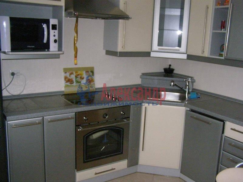 2-комнатная квартира (72м2) в аренду по адресу Гражданский пр., 3— фото 5 из 7