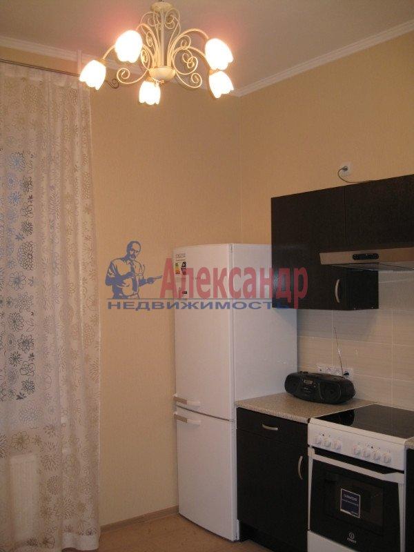 1-комнатная квартира (39м2) в аренду по адресу Кораблестроителей ул., 40— фото 2 из 4