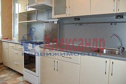 1-комнатная квартира (38м2) в аренду по адресу Уточкина ул., 5— фото 1 из 3