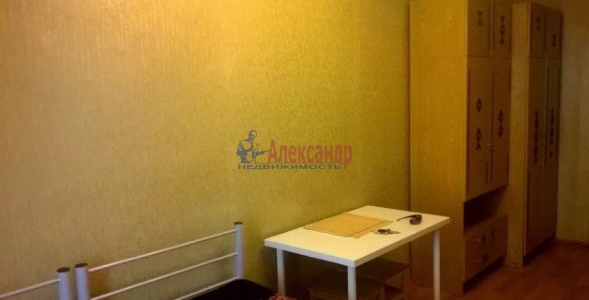 Комната в 4-комнатной квартире (131м2) в аренду по адресу Декабристов ул., 30— фото 2 из 6