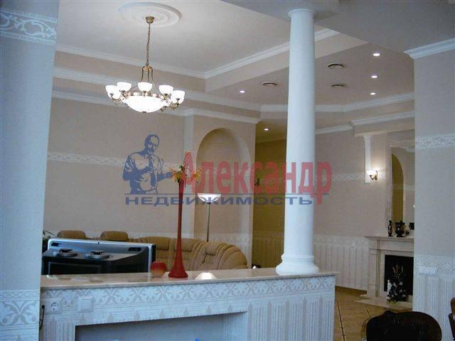 3-комнатная квартира (95м2) в аренду по адресу Итальянская ул., 11— фото 2 из 2