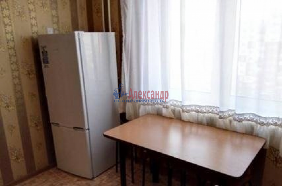 1-комнатная квартира (38м2) в аренду по адресу Балтийская ул., 2— фото 4 из 5