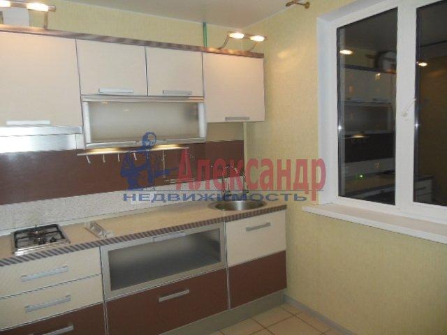 1-комнатная квартира (36м2) в аренду по адресу Десантников ул., 32— фото 2 из 8